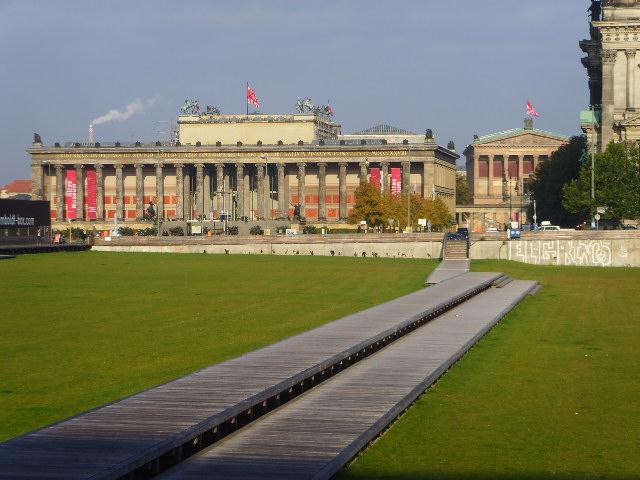 Hier ruht in Frieden: die in Halle hergestellte Fundamentwanne des niedergebauten Palastes der Republik, 2011 (Foto: André Franke)