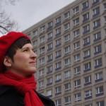 Verena Pfeiffer-Kloss, vor den Rathauspassagen: Hingehen, sehen lernen. (Foto: André Franke)