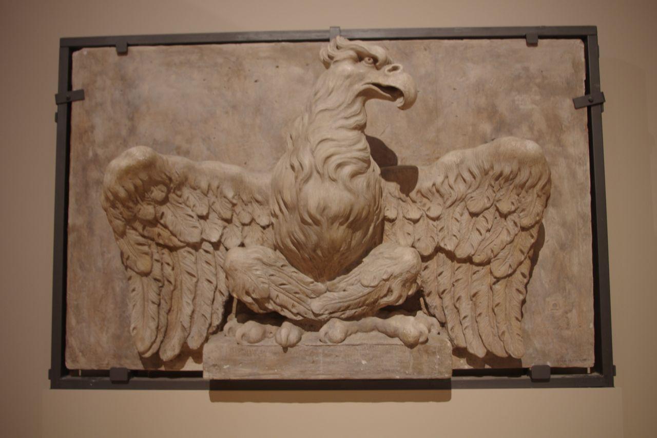Ganz klar: ein Adler. Wohin der fliegen wird, ist unklar.