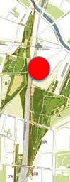 Park am Gleisdreieck: West- und Ostpark nur durch ein Nadelöhr verbunden, das sogar eine Fahrradstraße ist. Etwa dort wird demnächst gebaut. (Bild: GrünBerlin)