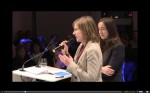 """Maria Brückner (links) und Daniela Riedel von zebralog: """"Bürgerbeteiligung muss auch Spaß machen."""" (Quelle: Friedrich-Ebert-Stiftung, Livestream)"""