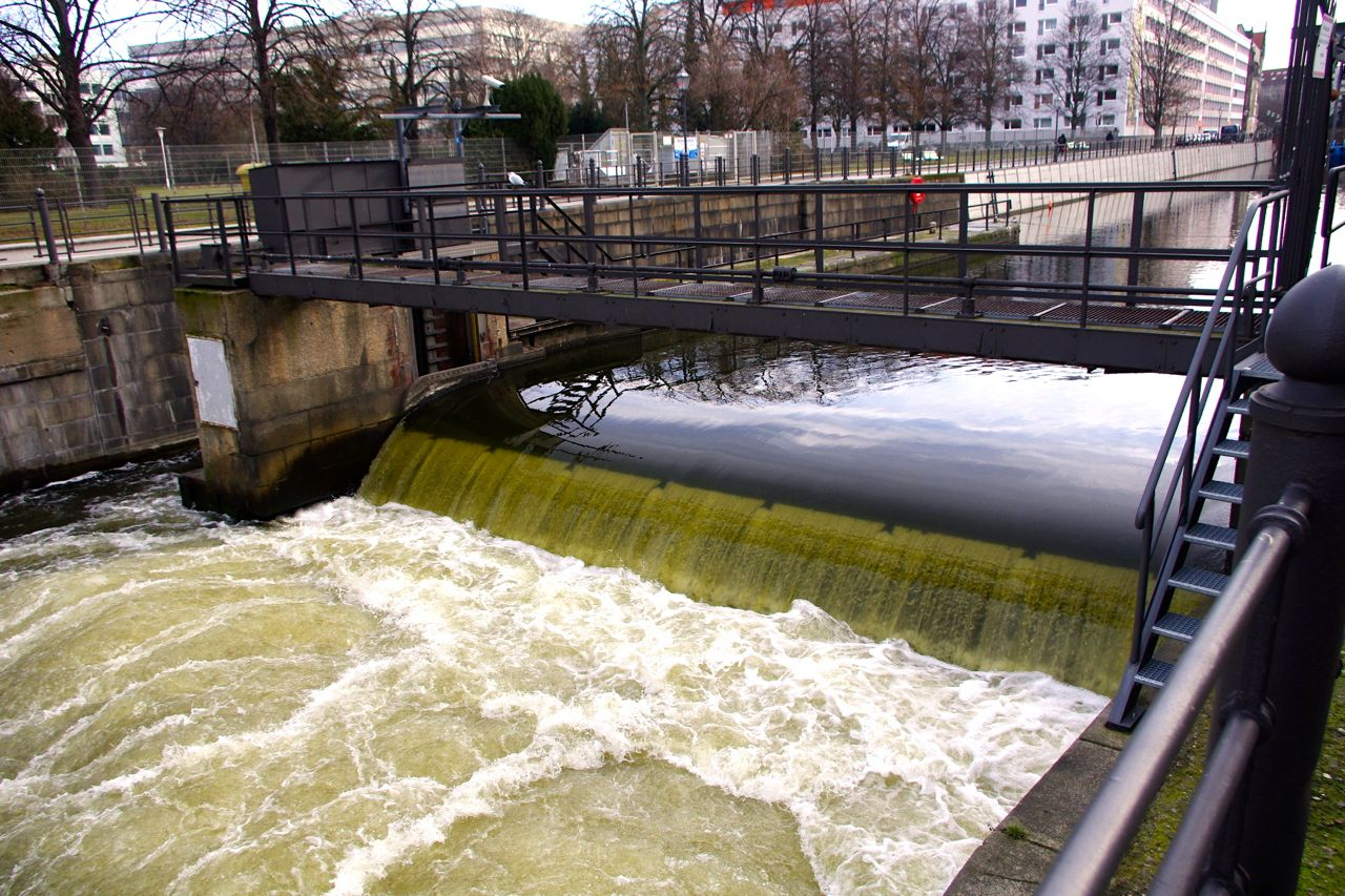 Tag der Städtebauförderung 2015: Führung zum Flussbad Berlin