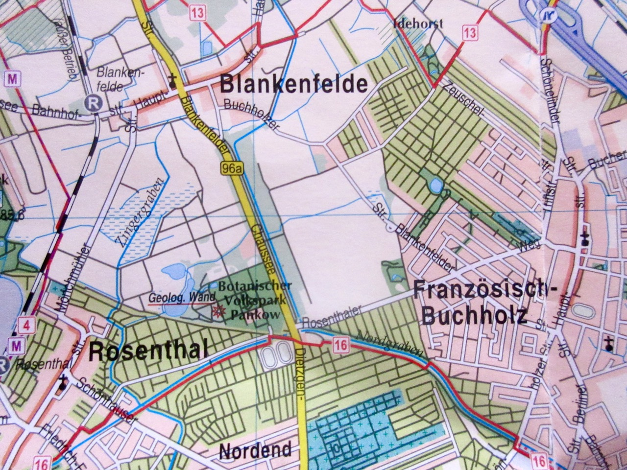 """Elisabeth-Aue (zentral) am nördlichen Stadtrand Berlins. (Karte """"20 grüne Hauptwege"""" piekart-Verlag)"""
